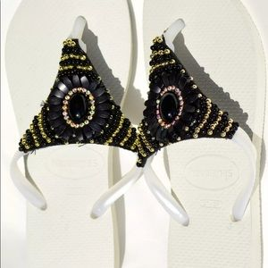 New Havaianas White/Black Flip Flops 7/8W 37